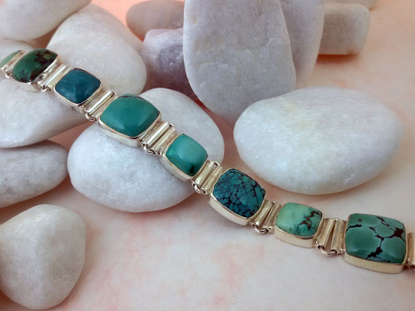 Turquoises and Sterling silver tibetan bracelet.. Foto 1