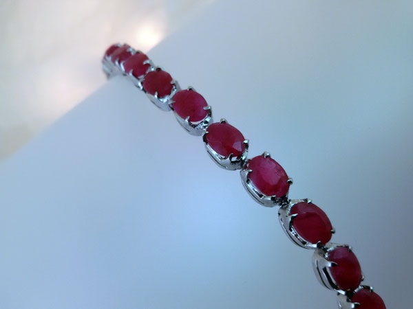 Sterling silver and Rubis bracelet.. Foto 1