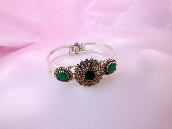 Gorgeous Sterlenig silver, Jade and Zirconites bracelet.. Foto 1