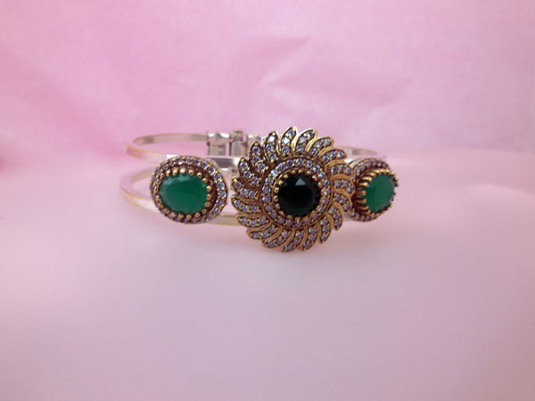 Gorgeous Sterlenig silver, Jade and Zirconites bracelet.. Foto 2