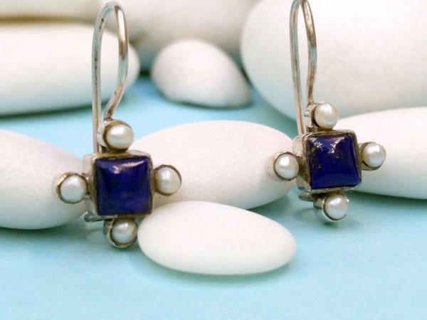 Antiguos pendientes etnicos de plata de ley con perlas y lapis lazuli.. Foto 2