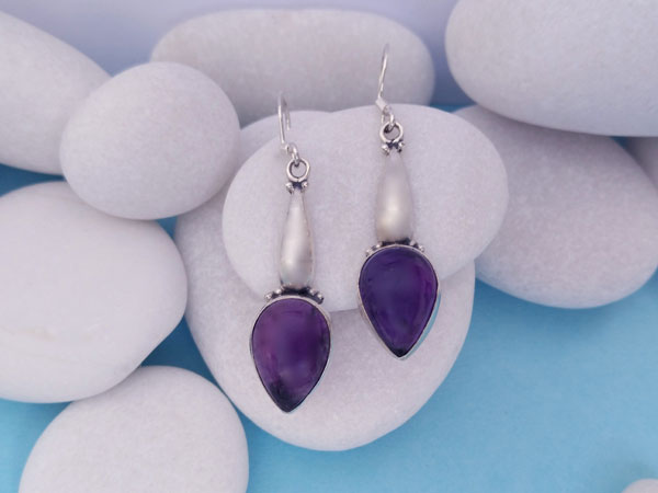 Pendientes artesanales de plata y gemas de Amatista.. Ref. NEC