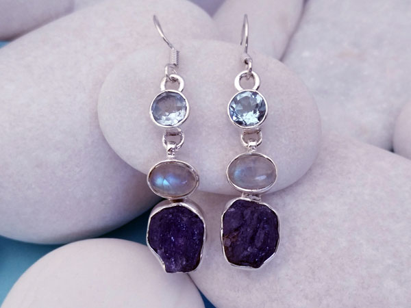 Ethnic earrings made of Sterling silver and aquamarine gems, moonstone and tanzanite.. Ref. NEF