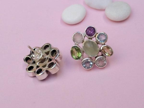 Pendientes etnicos de plata con ocho gemas diferentes.. Foto 3