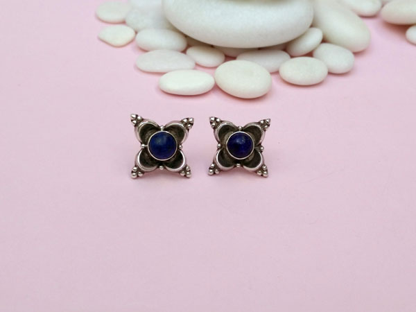 Pendientes artesanales de plata y gemas de lapis lazuli.. Ref. NEL