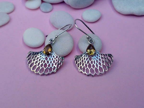 Citrine quartz gemstones and Sterling silver earrings.. Foto 1