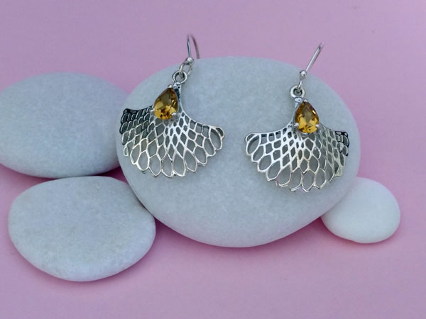 Citrine quartz gemstones and Sterling silver earrings.. Foto 2