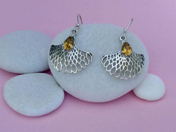 Pendientes artesanales de plata y gemas de cuarzo cetrino.. Foto 2