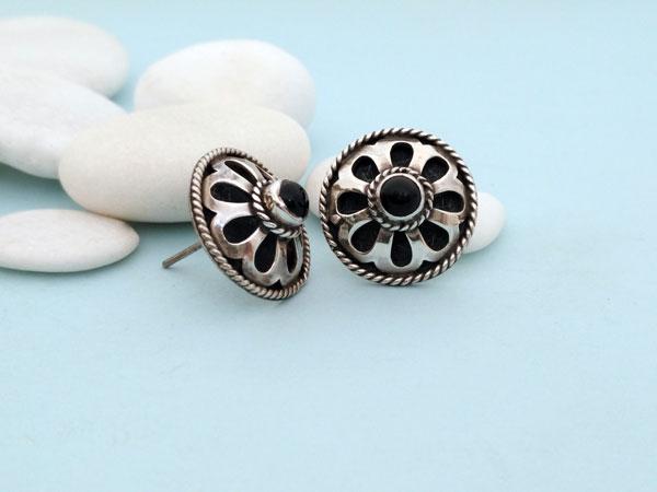 Pendientes artesanales de plata y gemas de agata negra, Onix.. Foto 2