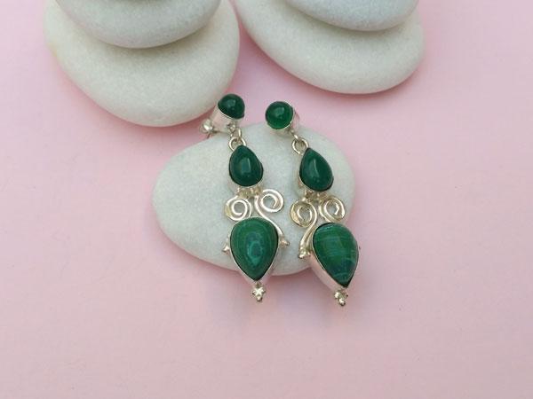 Pendientes etnicos artesanales de plata com malaquita y agata verde.. Ref. NES
