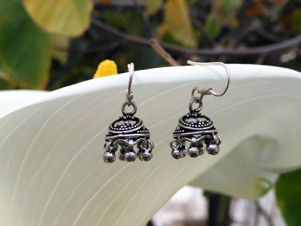 Sterling silver ethnic earrings.. Foto 2