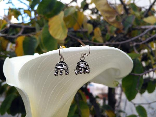Sterling silver ethnic earrings.. Foto 3