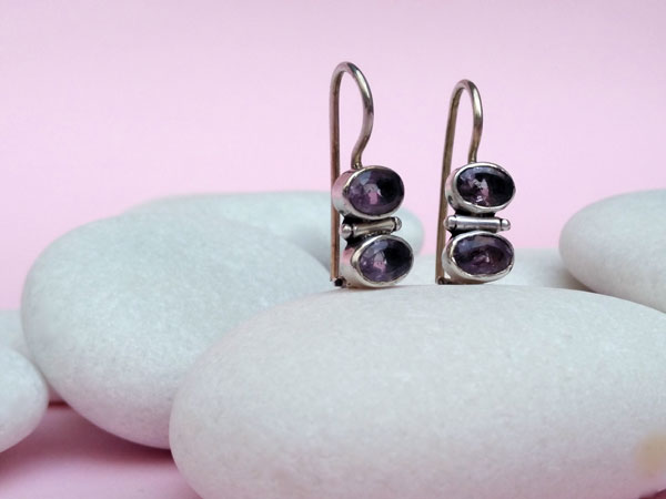 Amethyst and Sterling silver ethnic earrings.. Foto 1