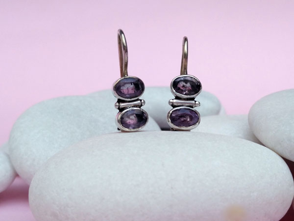 Amethyst and Sterling silver ethnic earrings.. Foto 2
