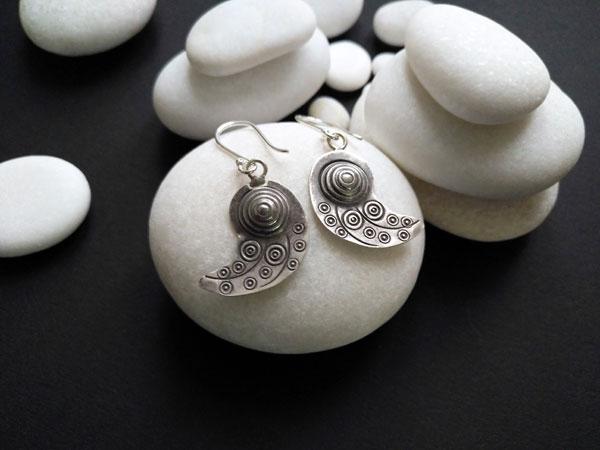 Handmade silver ethnic earrings.. Foto 3