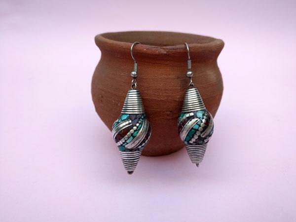 Ethnic tibetan earrings.. Foto 2