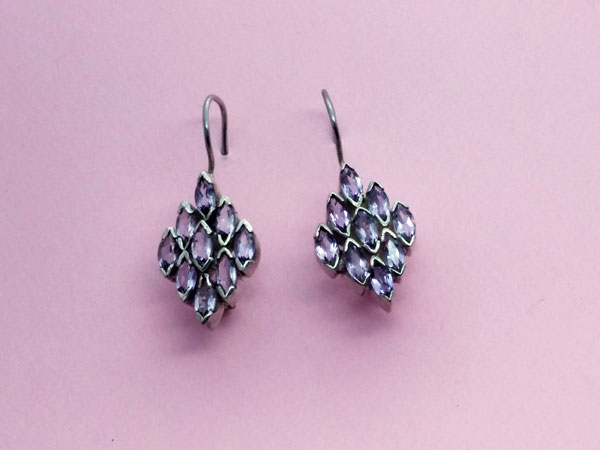 Ethnic Sterling silver earrings with faceted amethyst gems.. Ref. NFZ