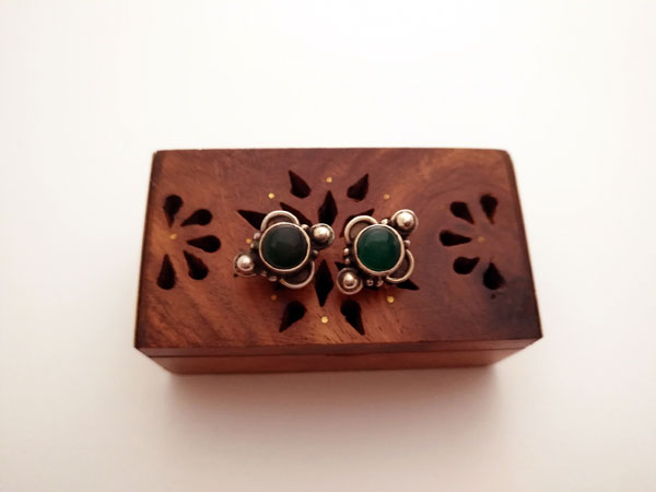 Ethnic Sterling silver and green agate earrings.. Foto 2