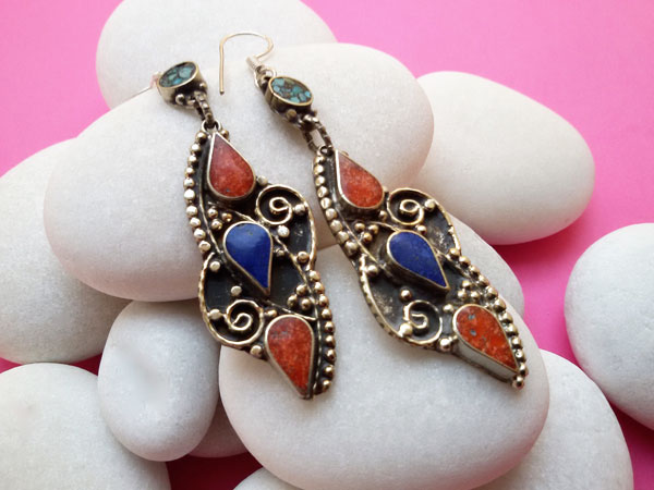 Tibetan handmade ethnic earrings.. Ref. NGW
