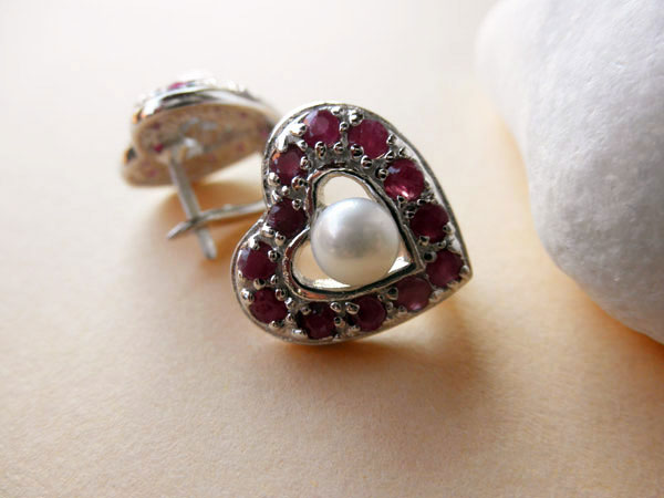 Handmade Sterling silver, rubis and Pearl earings.. Foto 3