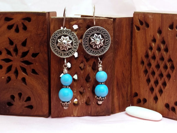 Ethnic silver and turquoise earrings.. Foto 1