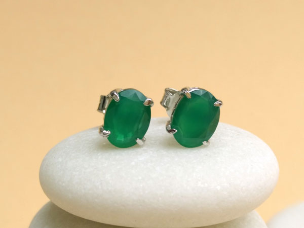 Silver and green jade earrings.. Ref. NHM