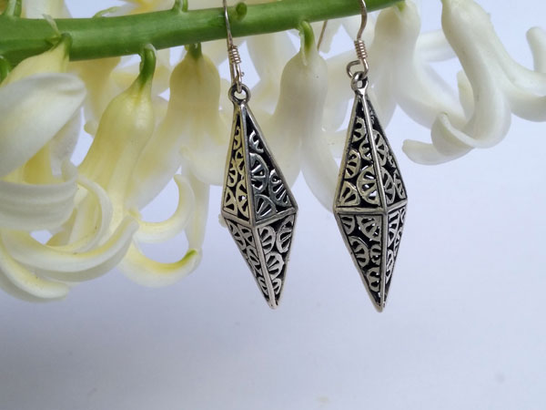 Handmade Sterling silver Japanese design earrings.. Foto 1