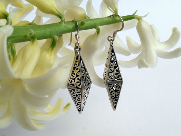 Handmade Sterling silver Japanese design earrings.. Foto 2