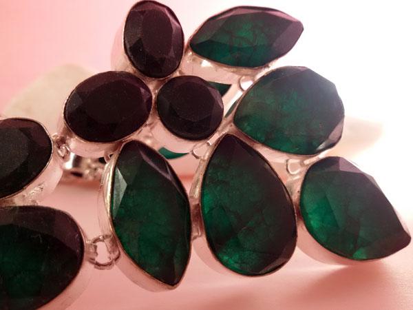 Collar artesanal de plata y gemas de Jade verde facetadas.. Foto 4