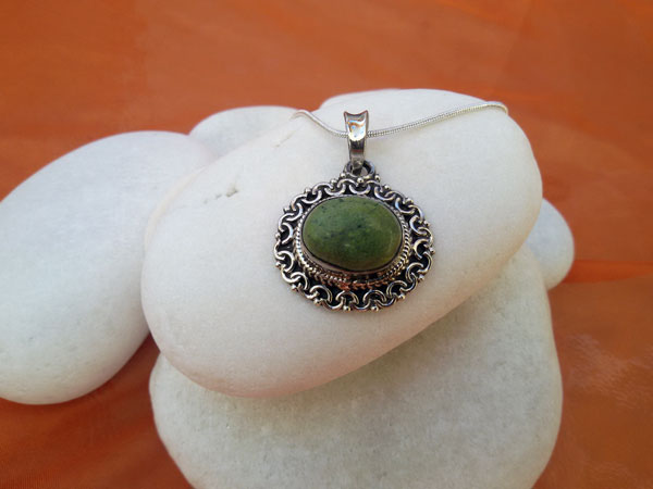 Tibetan Turquoise and Sterling silver pendant.. Foto 1