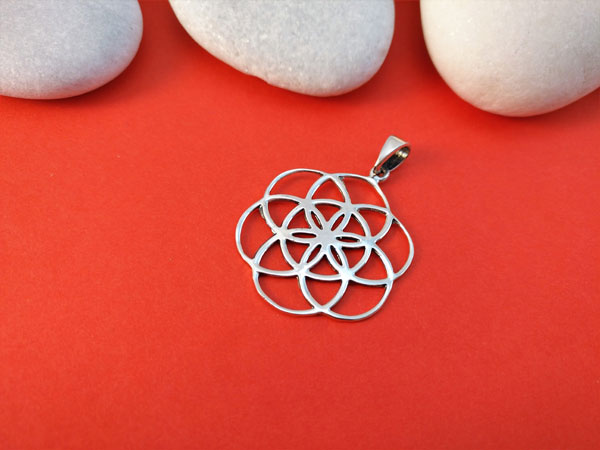 Celtic traditional Sterling silver pendant.. Foto 1
