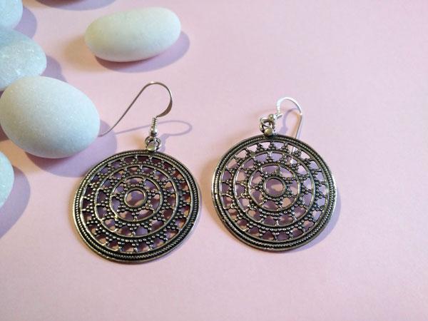Sterling silver ethnic earrings.. Foto 1