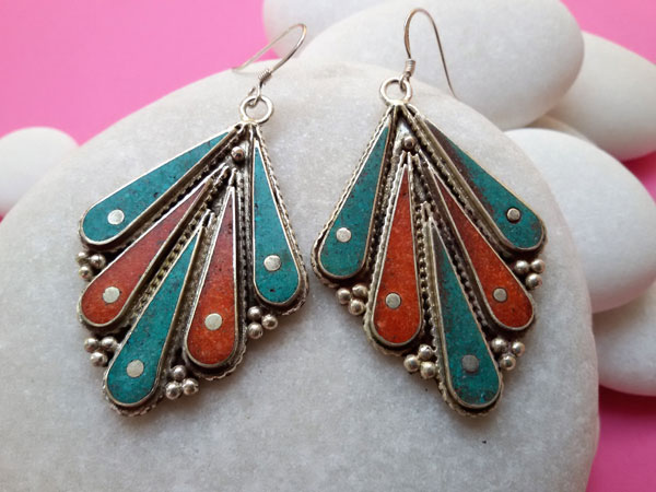 Tibetan ethnic earrings.. Foto 1