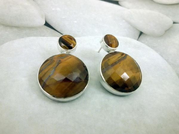 Handmade Sterling silver and Tiger eye earrings.. Foto 1
