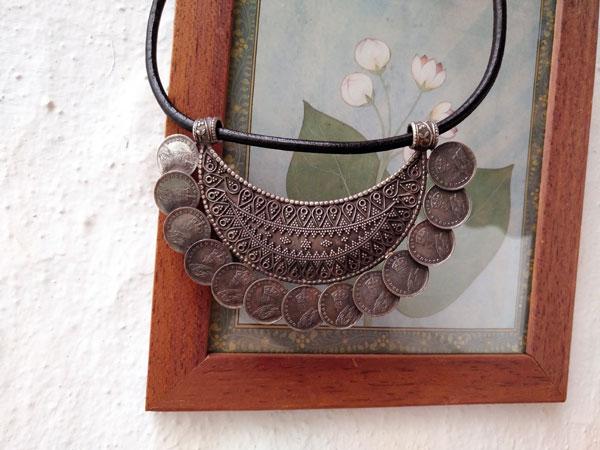Gargantilla artesanal de plata.. Foto 2
