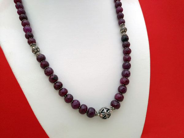 Ethnic Sterling silver and Rubi necklace. Foto 2