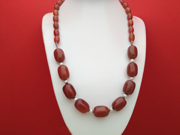 Carnelian Agate, Pearls and Sterling silver necklace.. Foto 1
