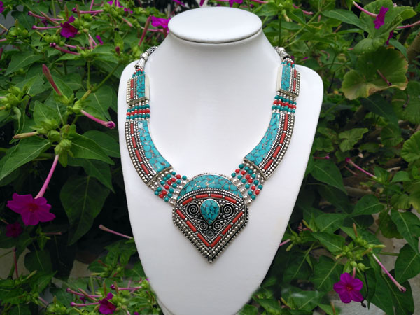 Tibetan ethnic necklace.. Foto 1
