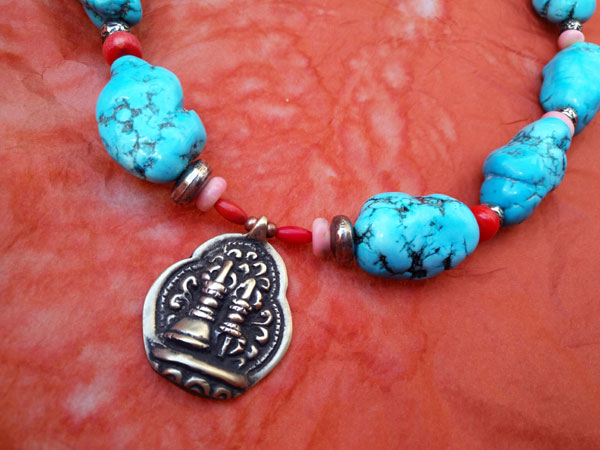 Ethnic tibetan necklace with Turquoises and Sterling silver.. Foto 3