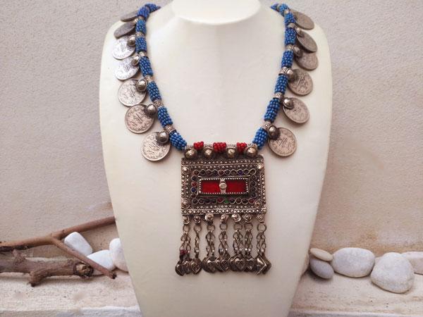 Collar etnico artesanal procedente de Herat, Afghanistan.. Foto 2
