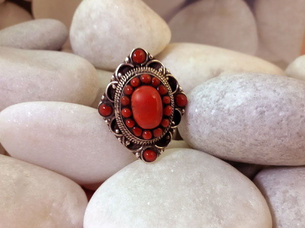 Coral and Sterling silver ring.. Foto 1