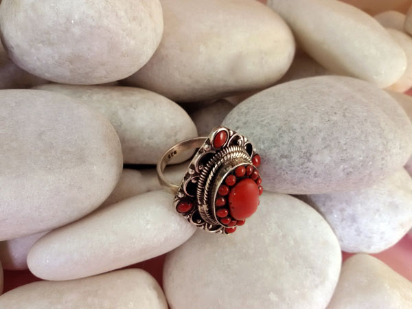 Coral and Sterling silver ring.. Foto 2