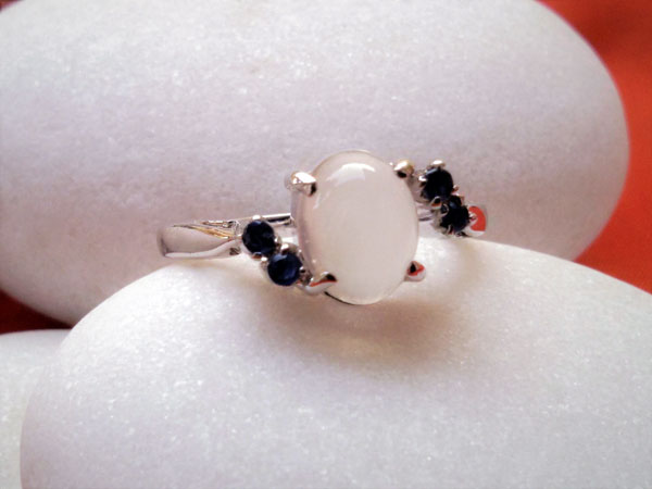Adularia and Sapphires Sterling silver ring.. Foto 2
