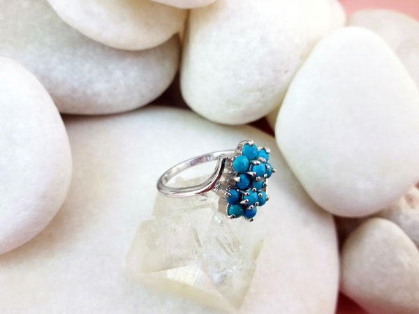 Turquoises and Sterling silver ring.. Foto 1