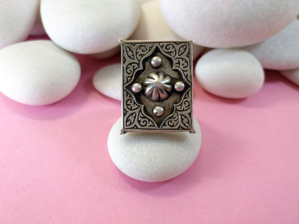 Ethnic Sterling silver Kazakh ring.. Foto 1
