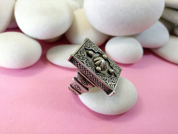 Ethnic Sterling silver Kazakh ring.. Foto 2