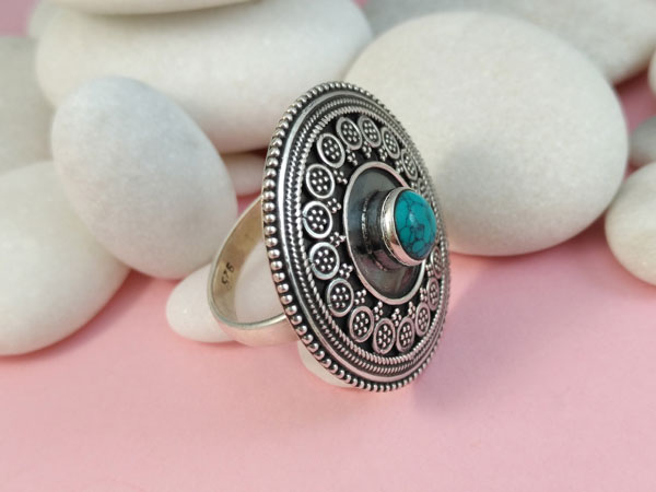 Turquoise and Sterling silver ethnic ring.. Foto 2
