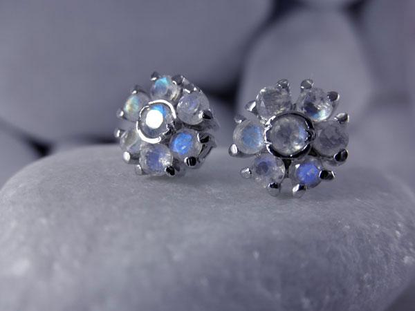 Pendientes artesanales de plata y gemas facetadas de Piedra de luna.. Ref. TEN