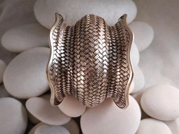 Pulsera artesanal Karen de plata.. Foto 1