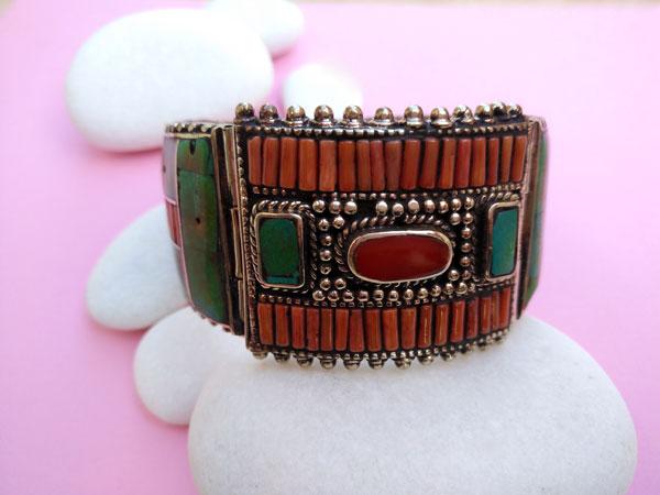 Ethnic Tibetan pendant.. Foto 1